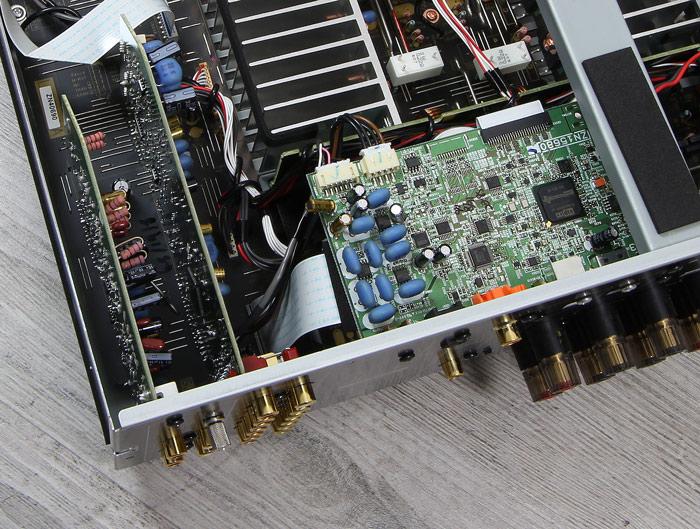 Yamaha-A-S801-Innenleben4