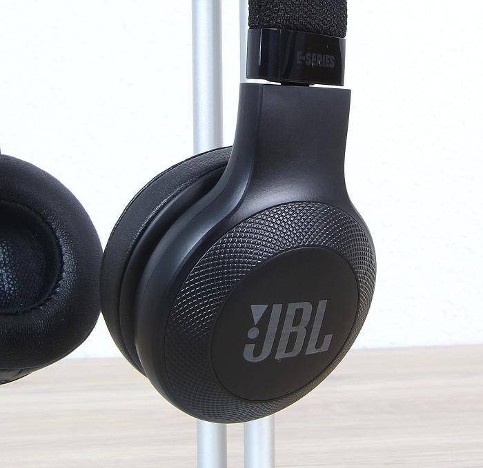 JBL E45BT 4