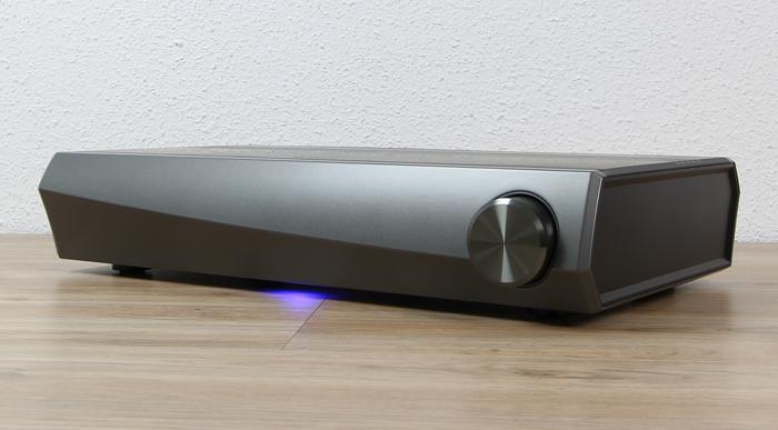 Heos-AVR-Front-Seitlich1