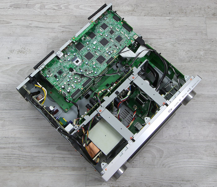 Pioneer-SC-LX901-Innenleben-Gesamt