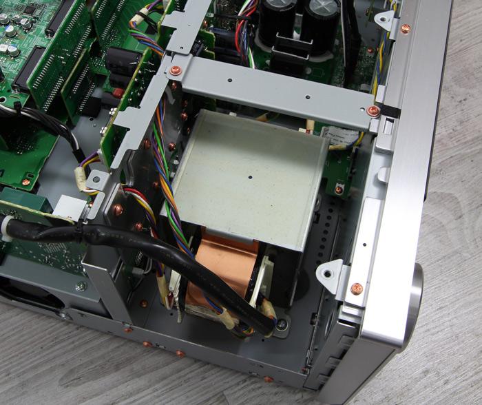 Pioneer-SC-LX901-Innenleben2
