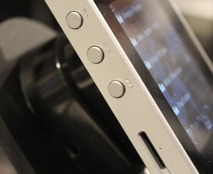 Pioneer_XPD30R_bedienelemente_microsd