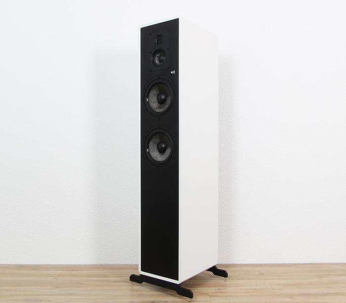 Fishhead-Audio-Resolution-2.6-FS-Front-Seitlich1