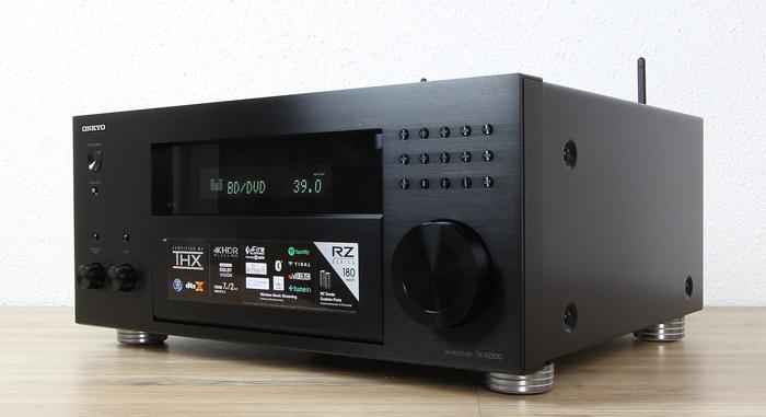 Onkyo-TX-RZ820-Front-Seitlich2