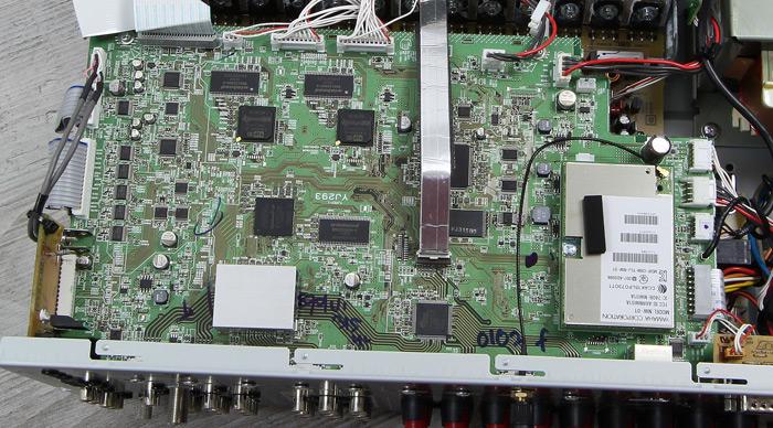 Yamaha-RX-A870-Innenleben2