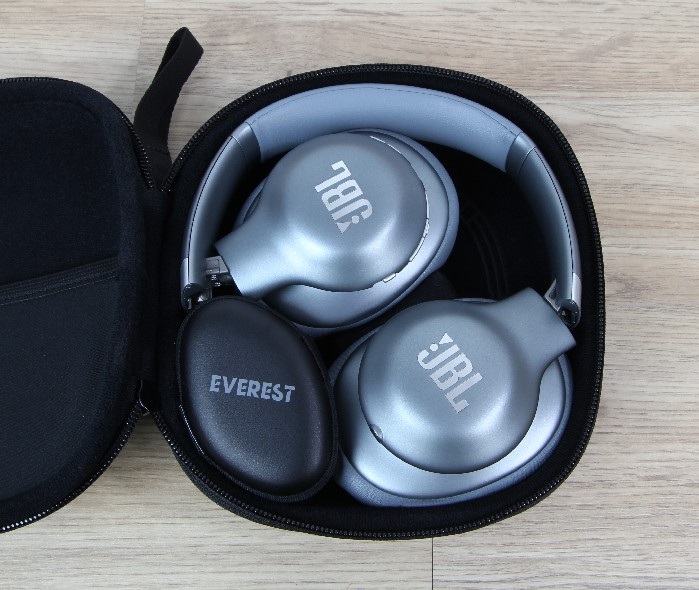 JBL_Everest_Elite_750NC_KH_in_tasche
