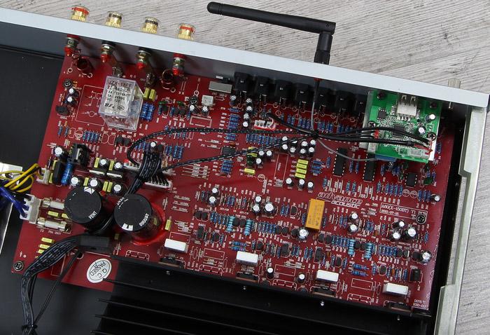 Advance-Acoustic-X-i50BT-Innenleben1
