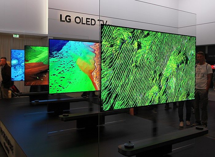 LG_OLED_Signature_W_multiple