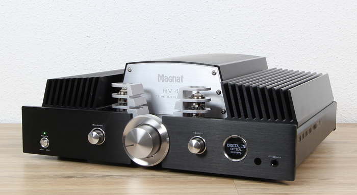 Magnat-RV-4-Front-Seitlich2