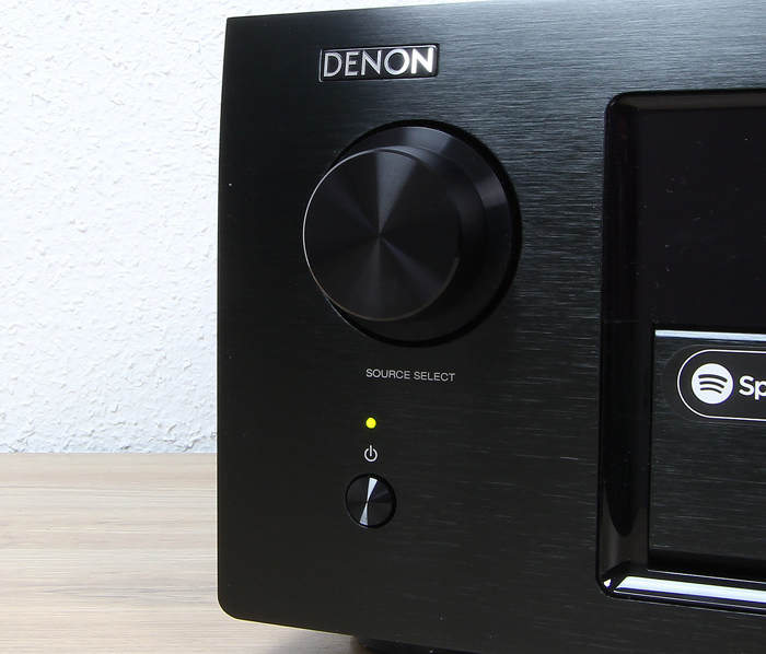 Denon-AVR-X6400H-Bedienelemente-Front1