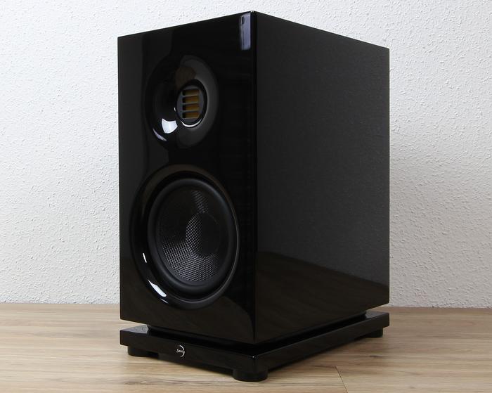 Saxx-clubSOUND-CLX-3-Front-Seitlich1