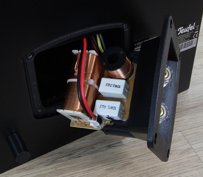 Teufel-System-6-THX-S600D-Innenleben