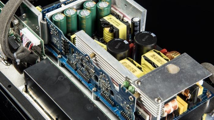 SVS SB4000 Elektronik
