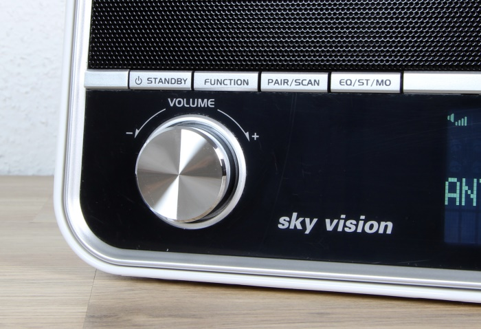 Sky Vision DAB 51 W Bedienelemente Front2