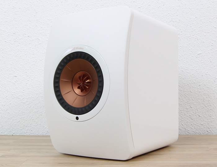 KEF-LS50-Wireless-Right-Front-Seitlich