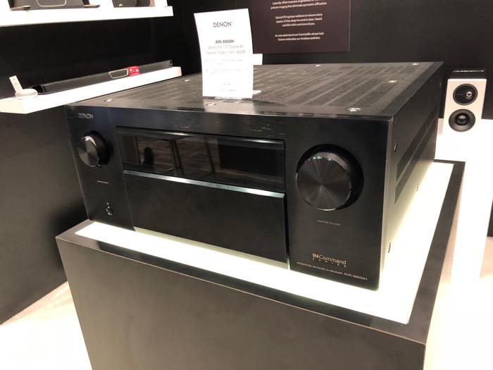 Denon AVR-X8500 black schraeg