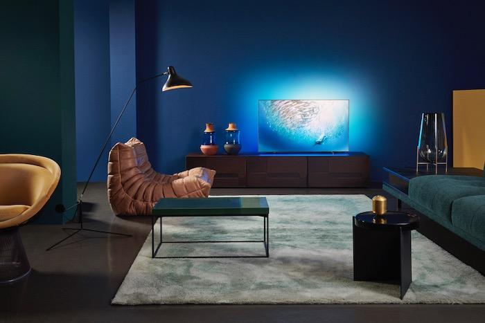 2020-Philips-OLED805-Lifestyle.jpeg