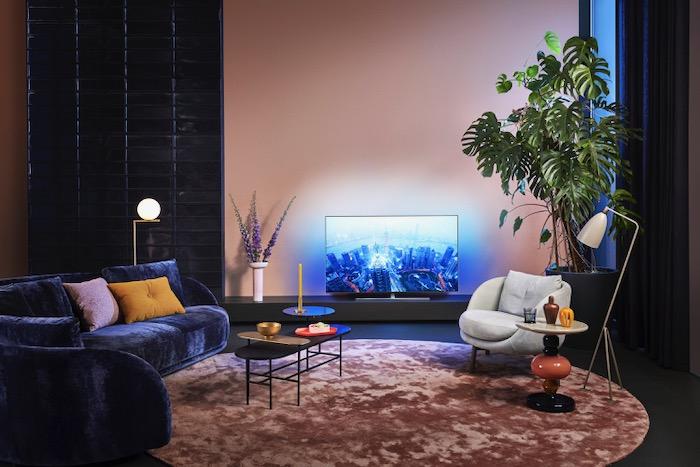 2020-Philips-OLED855-Lifestyle.jpeg